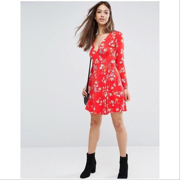 0358f04f06 ASOS Dresses & Skirts - ASOS Red Floral Long Sleeve Wrap Tea Dress Size 4